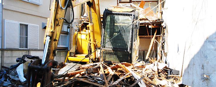 シロアリ被害が確認された家屋の解体現場